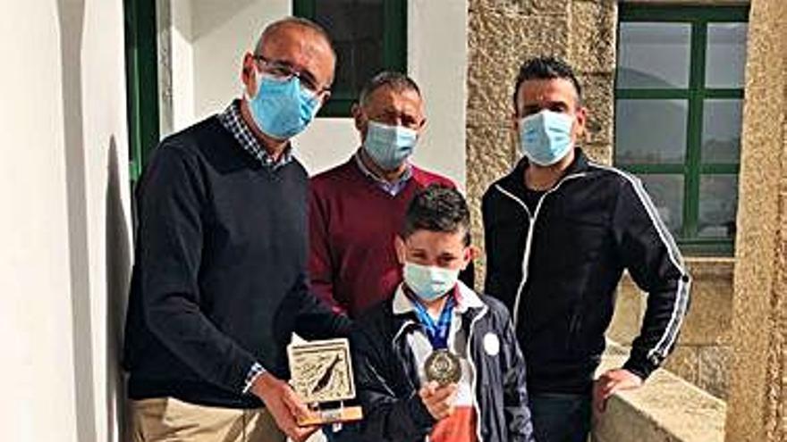 Nigrán felicita a Donis, el niño de 12 años subcampeón de España de lucha olímpica