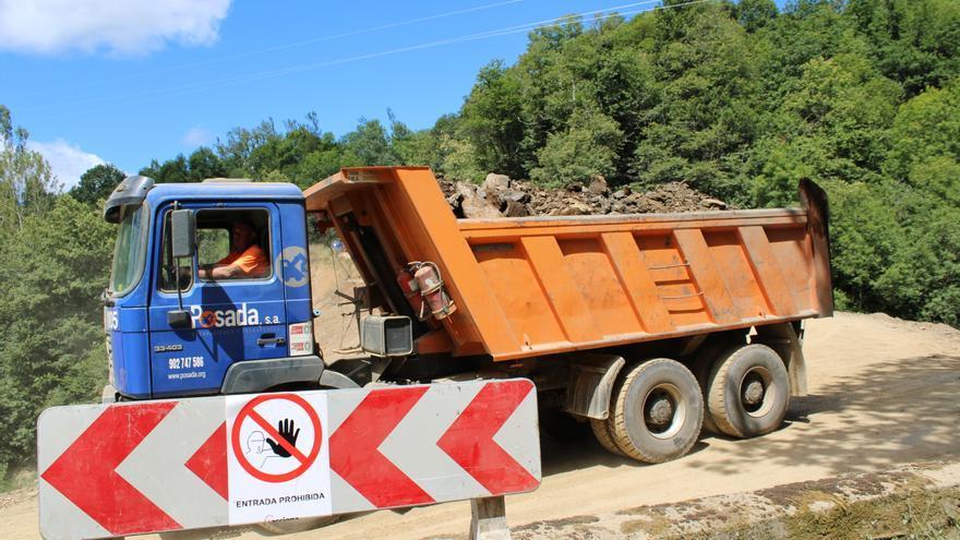 Las obras de la carretera Caso-Infiesto se retrasan tras estar cuatro meses paralizadas