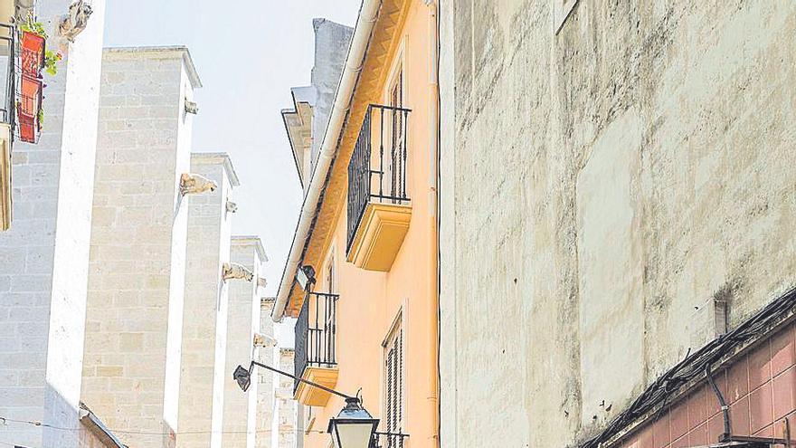 Gandia apuesta por la compra de patrimonio en riesgo de ruina pese a la deuda municipal