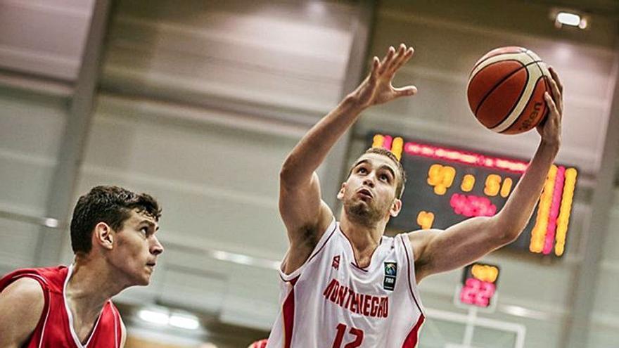 Kljajic avala el juego físico de Mitrovic en el Mónaco