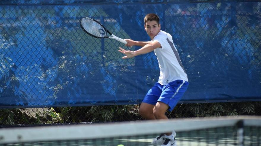 Simón Arca, nombrado el mejor tenista de la semana en su  Conferencia