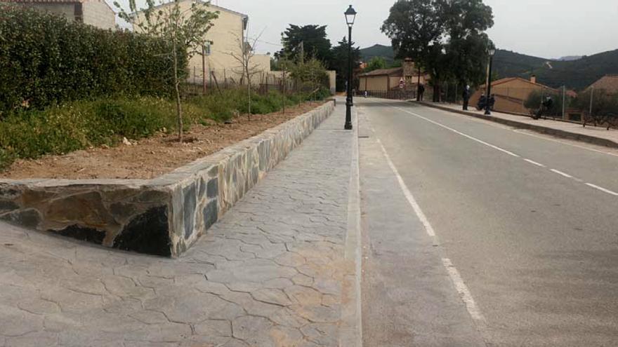 Navatrasierra culmina la obra de pavimentación