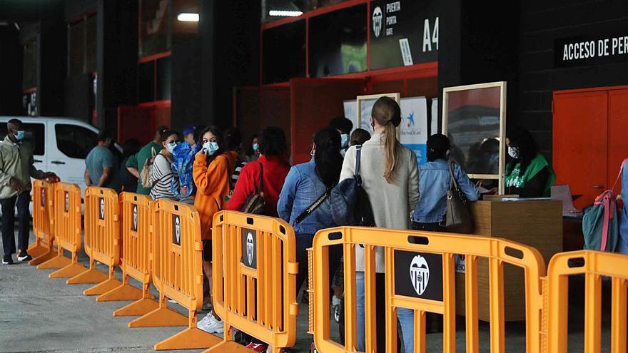 El Banco de Alimentos seguirá repartiendo en Mestalla