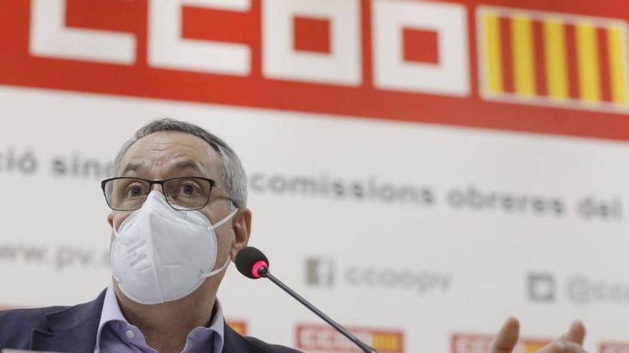 El líder de CCOO en la Comunidad Valenciana dimite tras colarse en la vacunación