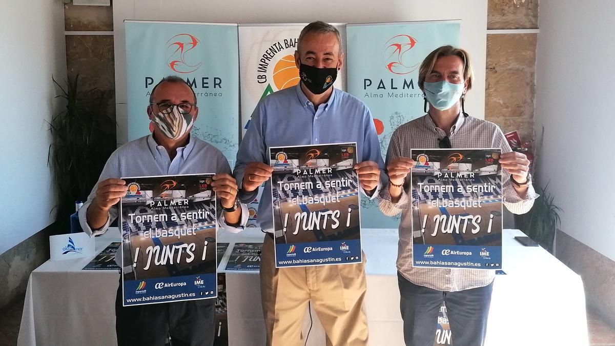 Guillem Boscana, con Jordi Mulet y Vicenç Palmer en la presentación de la campaña de abonados