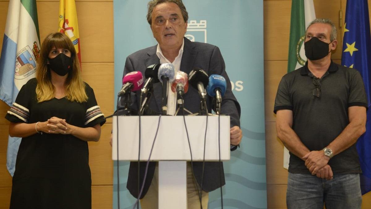 El alcalde de Torremolinos, José Ortiz, en la mañana de este lunes.