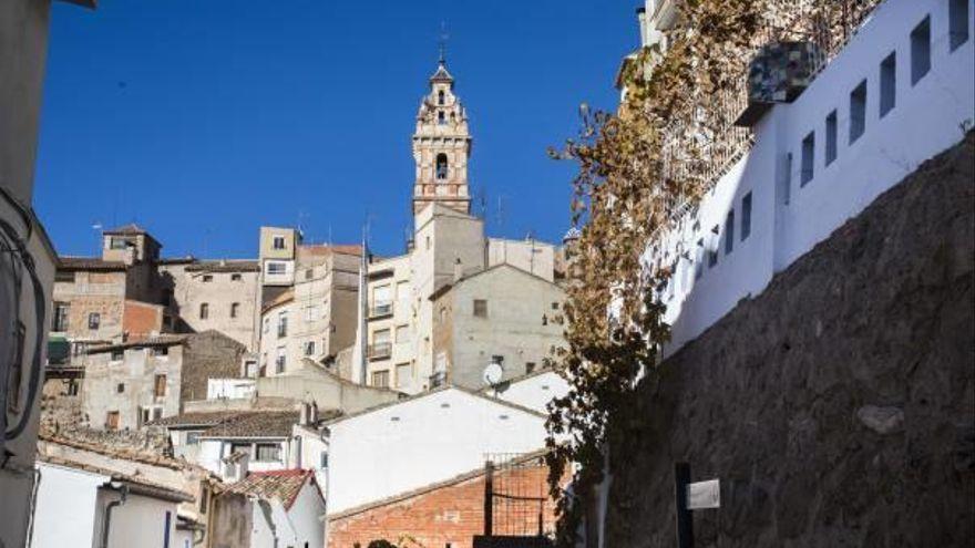 Esta escapada es perfecta para pasar el día ya que se encuentra a tan sólo 70 kilómetros de València. Se trata de una localidad con mucha historia, ya que hay yacimientos del Neolítico y la Edad del Bronce. Además podrás recorrer los barrios árabe, morisco y judío del casco antiguo, la Plaza Mayor, donde se encuentra la iglesia Nuestra Señora de los Ángeles, la Playeta, El paso de Olinches, el Puente del Retillo, la Fuente del Cuco, la Fábrica de Luz, el Barrio Morisco, Barrio Judío y la Ermita de la Santa Cruz.