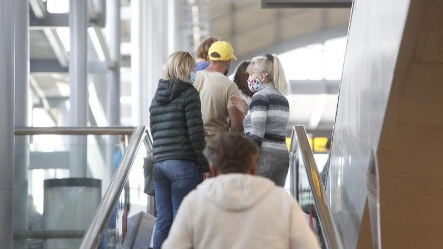 Treinta mil turistas llegarán en 300 vuelos a la Costa Blanca por las vacaciones de Semana Santa