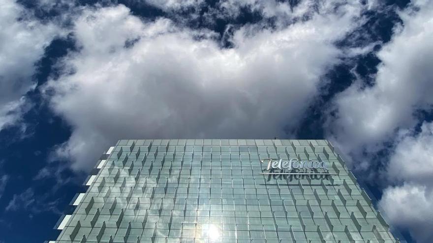 Telefónica gana un 50,1% menos por extraordinarios hasta septiembre