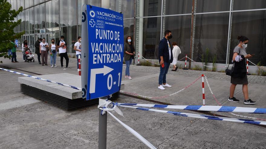 La Xunta habilitará puntos en las ciudades para descargar certificados de vacunación