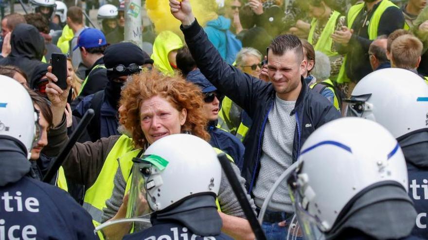Los 'chalecos amarillos' fracasan en su salto a la política