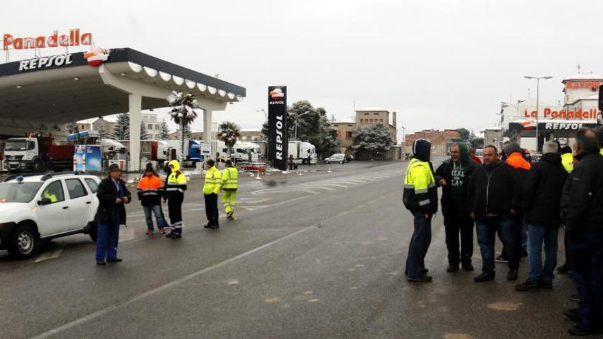 Queixes entre els camioners per la restricció preventiva de trànsit pel temporal