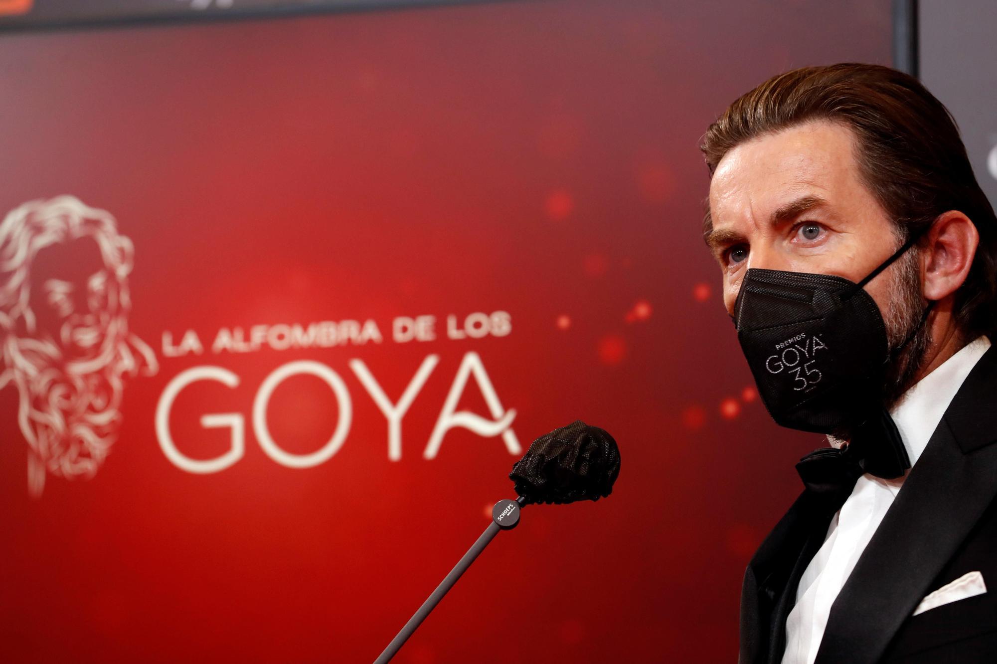 El actor Antonio de la Torre a su llegada hoy Sábado a la gala de la 35 edición de los Premios Goya que se celebra en el Teatro del Soho CaixaBank de Málaga. EFE / Jorge Zapata.