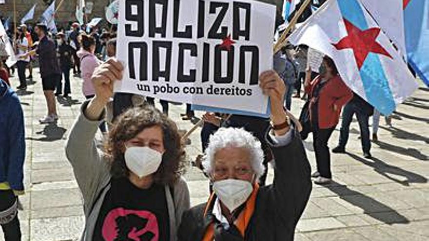 """Más de un millar de personas piden el """"derecho a decidir"""" de Galicia"""