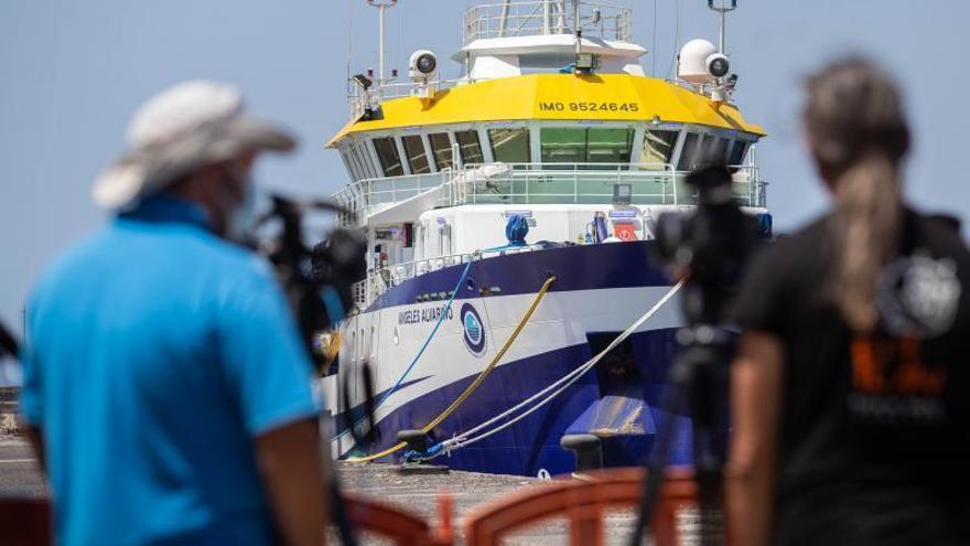 El 'Ángeles Alvariño' continúa en puerto y es poco probable que navegue este domingo