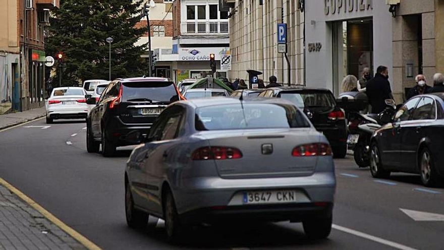 Alta intensidad de vehículos en Luis Ulloa Pereira.