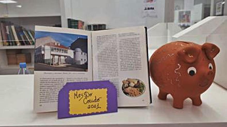 Muestra sobre recetas de Carnaval y el Cocido en la biblioteca de Lalín
