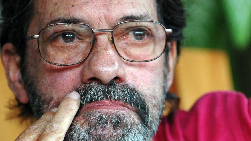Muere el cineasta cubano Juan Carlos Tabio, codirector de 'Fresa y chocolate' y 'Guantanamera'