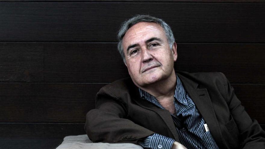 """Vicente Molina Foix: """"No se puede echar cal sobre la memoria de quienes sufrieron el franquismo"""""""