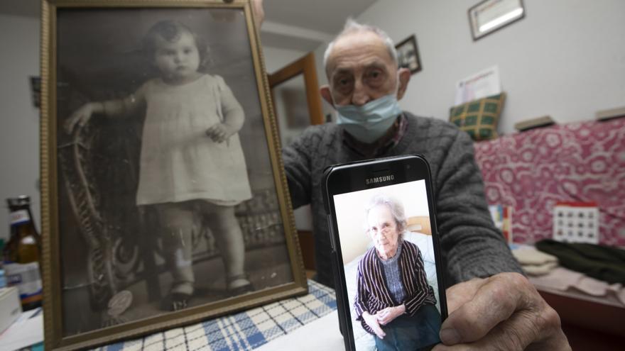 Conchita, la asturiana enterrada con otro nombre en Galicia, reposa con su esposo