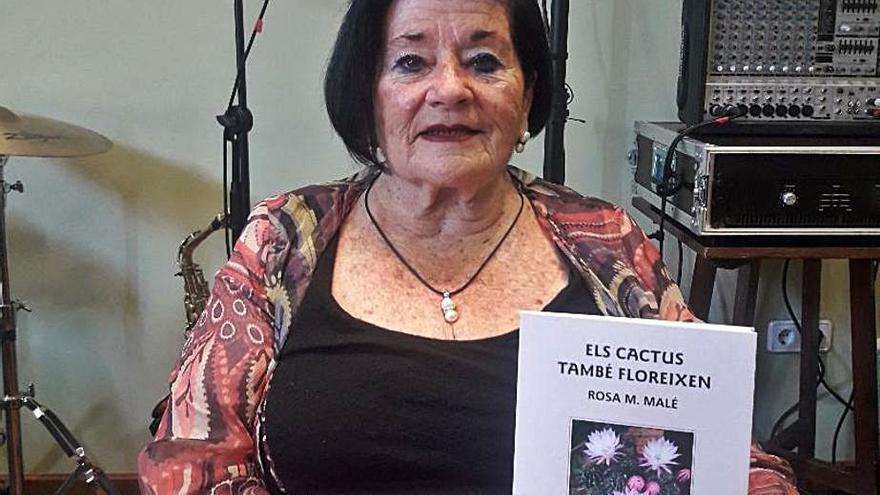 Rosa Maria Malé aplega una norantena de poemes seus a «Els cactus també floreixen»