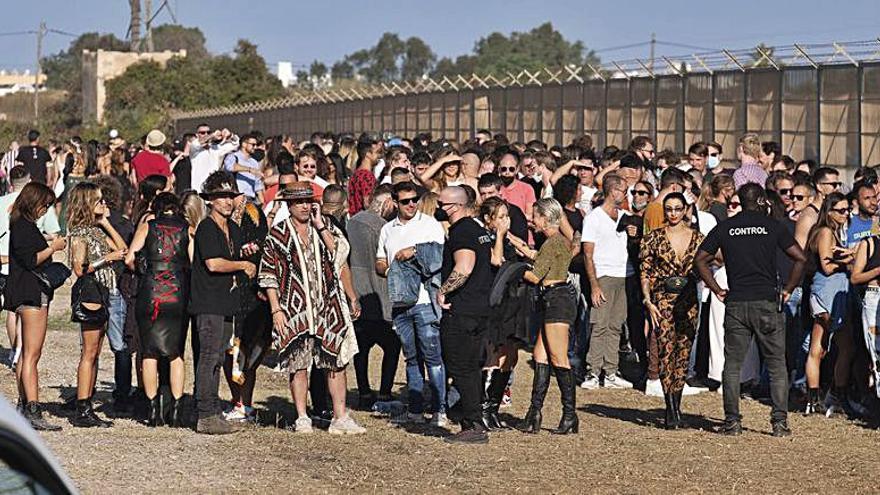 50 personas denunciadas por tenencia de drogas en la apertura de la primera discoteca de Ibiza