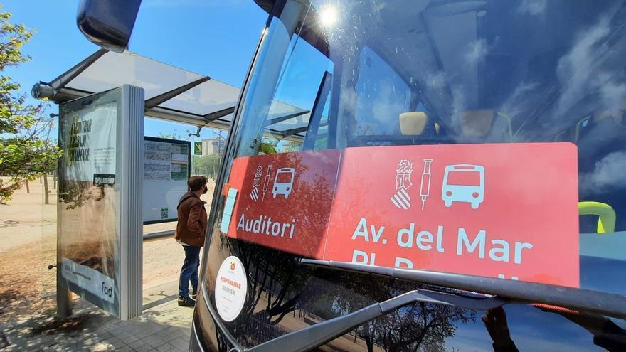 Castellón dispone de una línea de autobús gratuita para la vacunación masiva