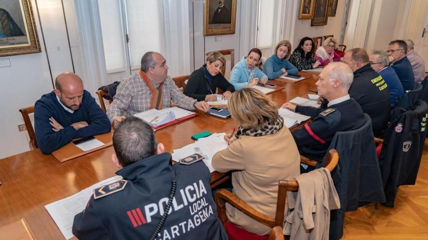 Cartagena vuelve a la normalidad aunque mantiene su dispositivo