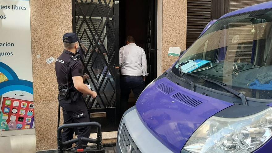 Los okupas abandonan la casa de 600.000 euros de Vila-real