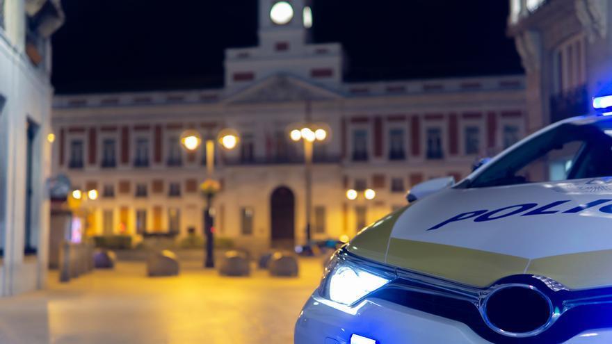 Intenta estrangular a su pareja en su casa en Madrid pero ella logra huir y pedir ayuda