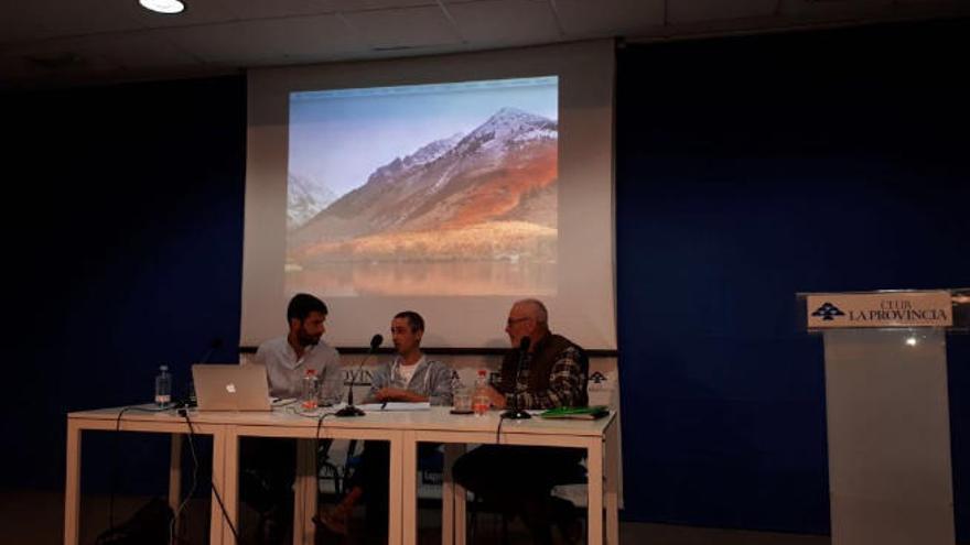 """Javier Tadeo: """"La ampliación del puerto no va con el  modelo turístico de Agaete"""""""