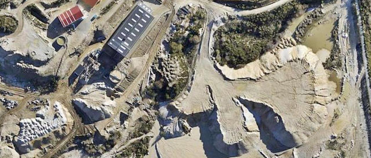 Vista cenital de la mina de Penouta, en Viana do Bolo. | COMG
