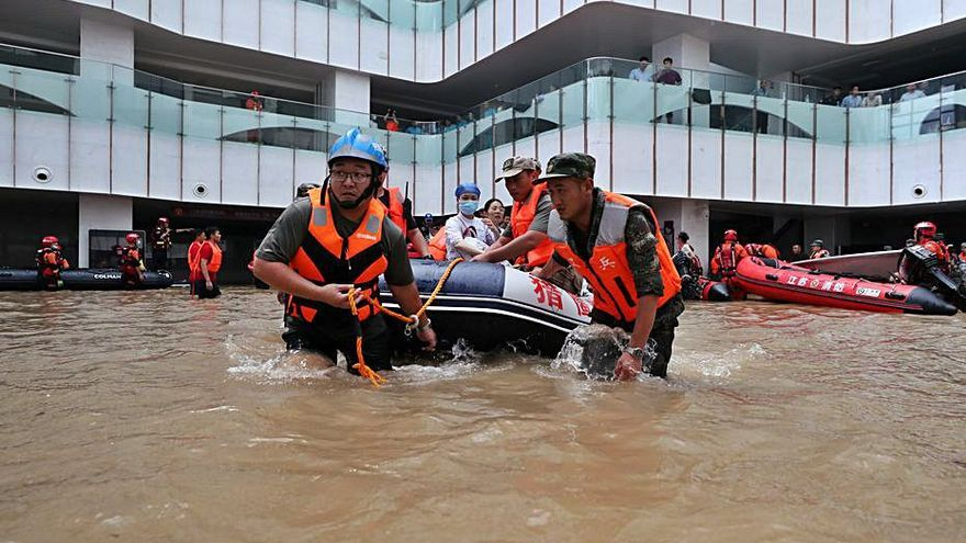 La Xina evacua milers de persones per les fortes pluges