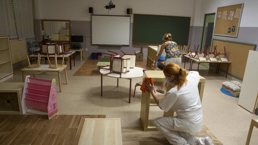 Compromís critica a Barcala por seguir sin informar sobre los refuerzos necesarios para la limpieza de los colegios