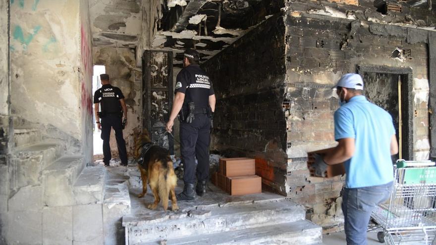 Desalojan el hotel Califa de Torremolinos y cierran los accesos
