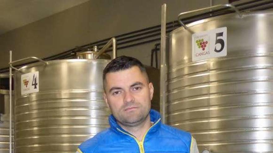 El vino de Cangas amplía producción con los caldos de una nueva bodega en Puenticiella