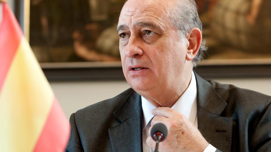 """Spionageaffäre """"Kitchen"""": Früherer spanischer Innenminister muss auf die Anklagebank"""