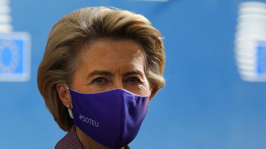 Von der Leyen deja la cumbre europea y se aísla tras estar en contacto con un positivo