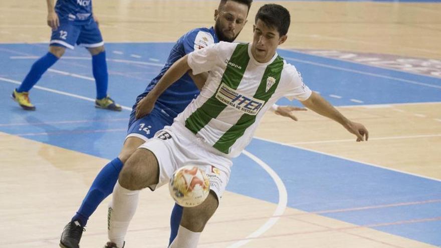 La sub-21 gana en Portugal (0-4) con el prieguense Isma López