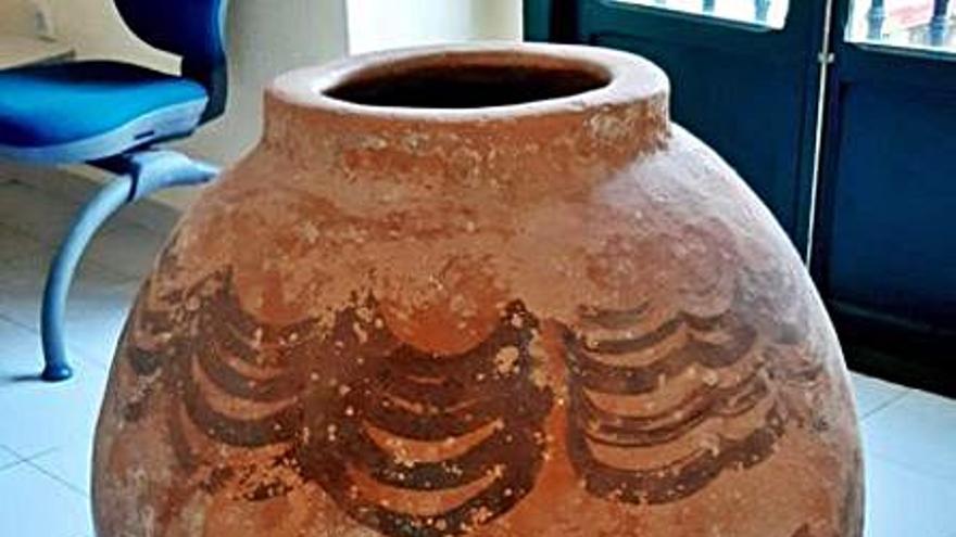 La Policía de la Generalitat devuelve a Teruel cerámicas que fueron expoliadas