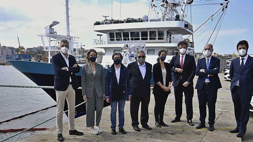 "Freire entrega el atunero ""Monteraiola"" a Grupo Calvo"