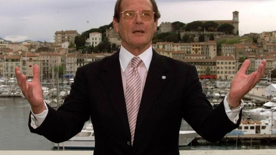 Muere Roger Moore, actor que dio vida a James Bond