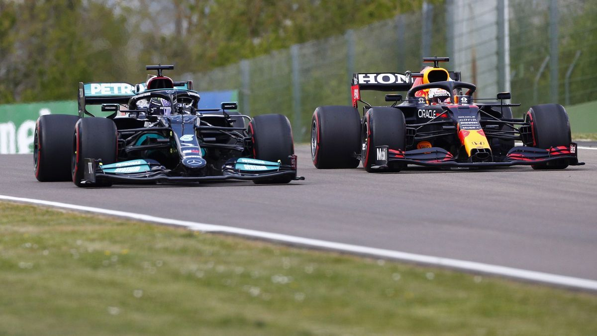 A picture of Lewis Hamilton and Max Verstappen in Imola.