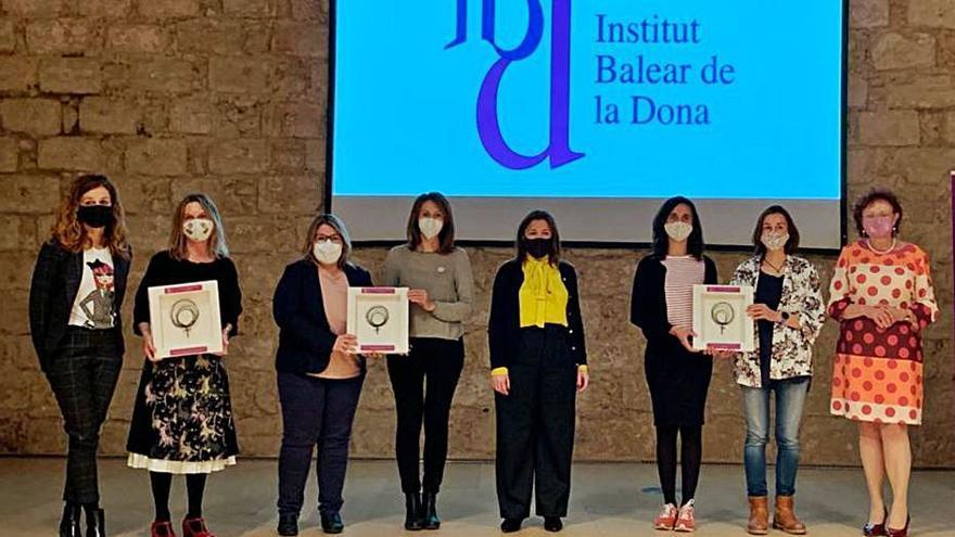 Premio a las enfermeras, empresarias cooperativistas y al colectivo feminista
