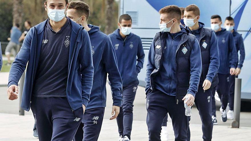 El Dinamo de Kíev té nou jugadors amb covid  i la resta van donar negatiu en els PCR fets ahir