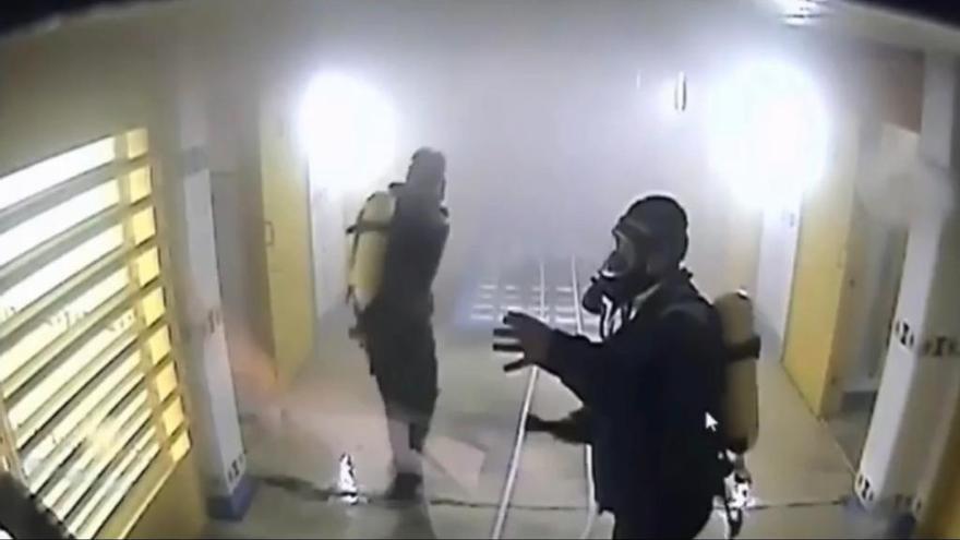 Intoxicado un preso al incendiar su celda en Villena porque quería porros