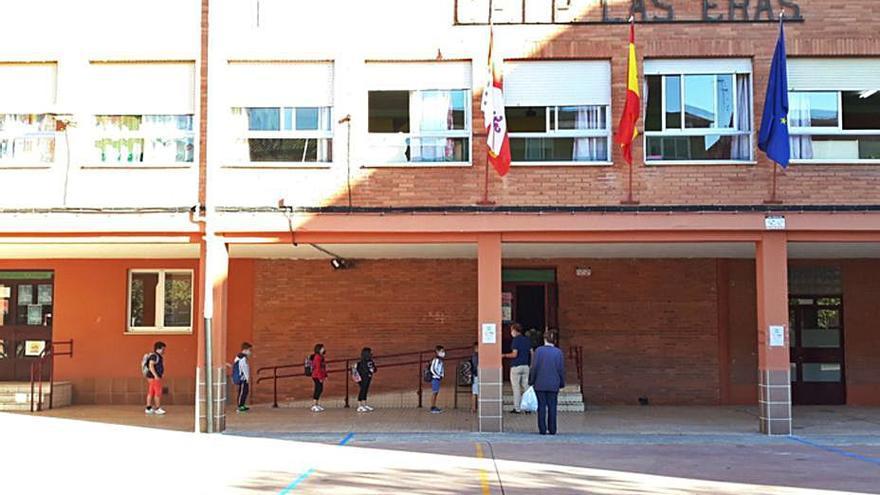 El Ayuntamiento de Benavente incide en el coste del refuerzo de limpieza de los colegios por el coronavirus