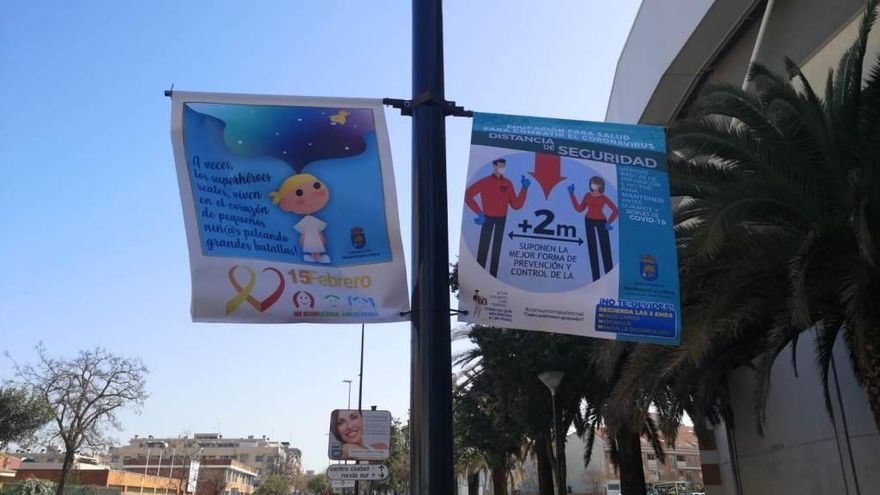El Ayuntamiento de Navalmoral sensibiliza sobre el cáncer infantil