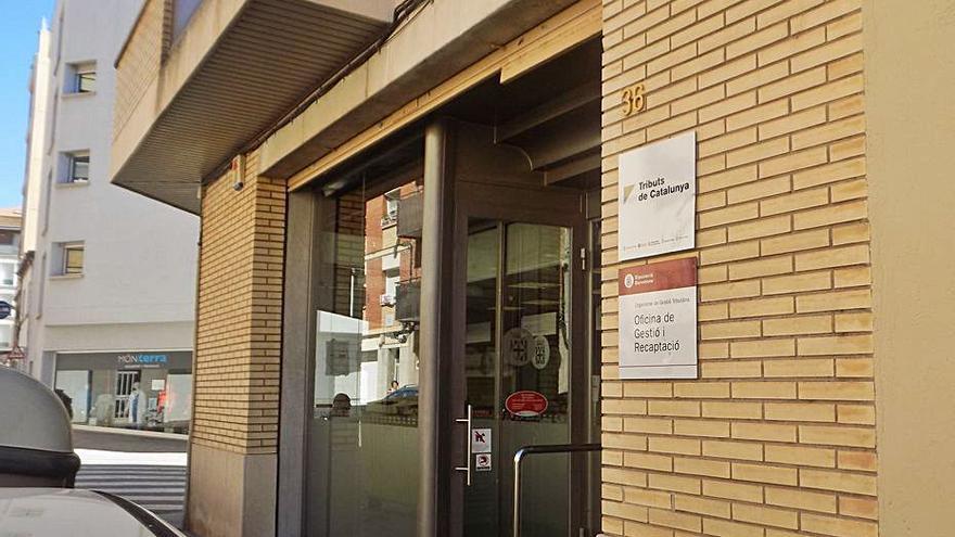 A judici per agredir un empleat de l'oficina de tributs de la Diputació a Manresa