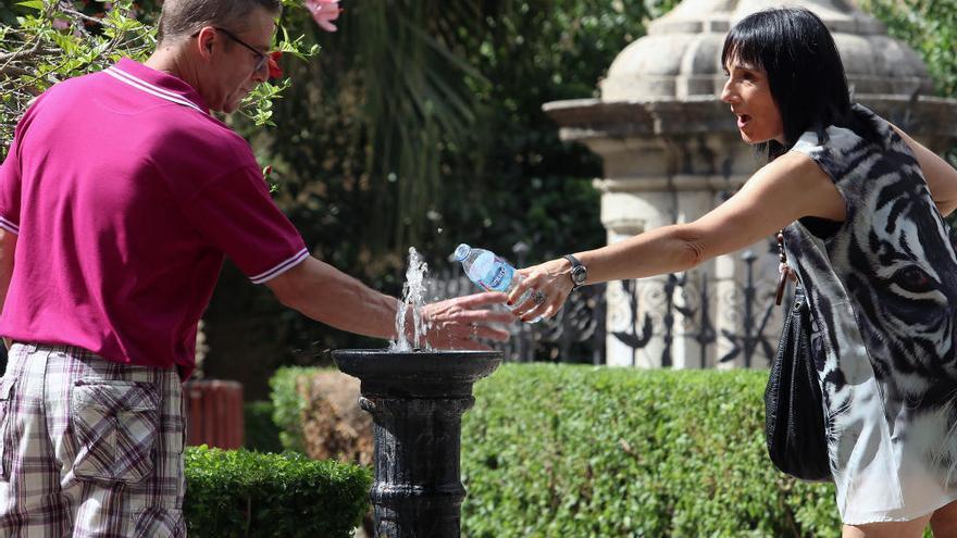 Málaga duplicará sus fuentes para beber agua antes de final de año